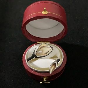Jewelry - Calla lily with genuine fresh water pearl